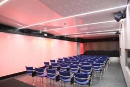hf5a1819 sala de prensa scaled uai